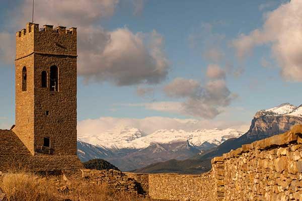 Muro de Roda. Castillos Pirineos